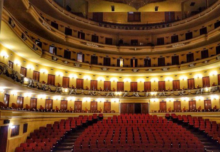 En el majestuoso teatro José Peón Contreras se efectuará la sesión solemne. (Milenio Novedades: Daniel Sandoval)