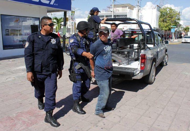 La Policía Municipal Preventiva (PMP) y son las corporaciones que luchan por mantener la salvaguarda de la población. (Francisco Sansores/SIPSE)