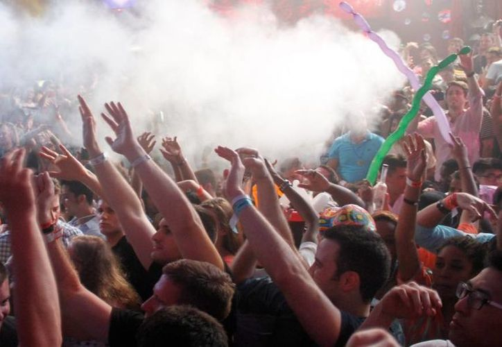 Hasta el momento no se han efectuado multas o suspensiones en bares, antros y discotecas por la presencia de menores de 18 años. (Israel Leal/SIPSE)