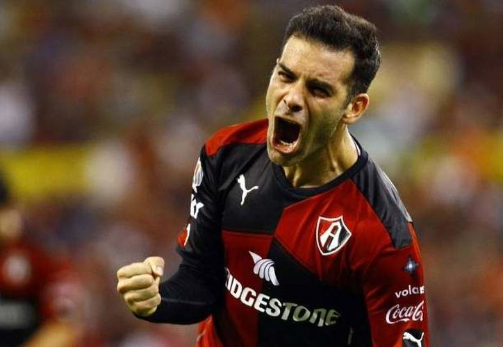 El futbolista fue homenajeado en su último partido antes de su retiro. (Foto: Economía Hoy).