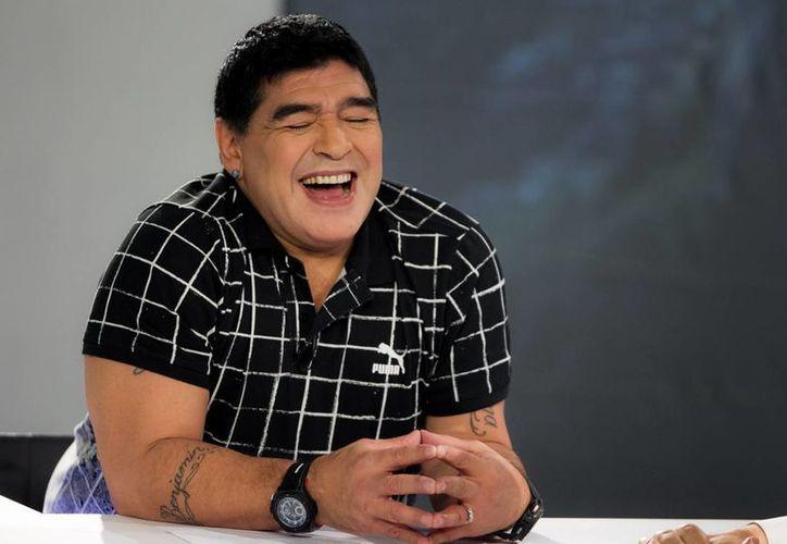 Maradona asegura que Fidel Castro 'es el más grande'. (EFE)