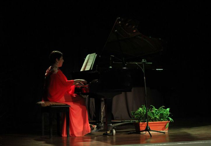 La maestra de piano Nadia Arce Moreno compartió que el taller estará dirigido principalmente a niños. (Redacción/SIPSE)