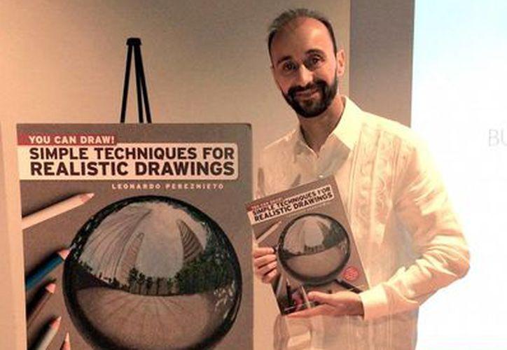 El libro 'You Can Draw- Simple Techniques for Realistic Drawings', del mexicano Leonardo Pereznieto, es un best seller en Nueva York. (Notimex)