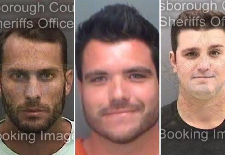 Los tres sujetos irán a juicio bajo los cargos de crueldad animal. (Foto: El Debate)