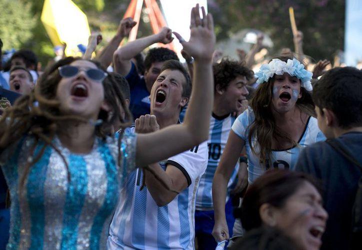 La afición argentina es de las mas apasionadas en toda América. (AP)