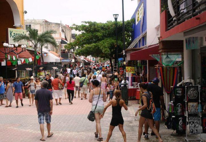 En la zona turística arribó un gran número de turistas. (Loana Segovia/SIPSE)