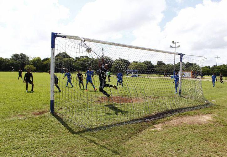 Los equipos de la Cuarta División cierran actividades de este año. (Ángel Mazariego/SIPSE)