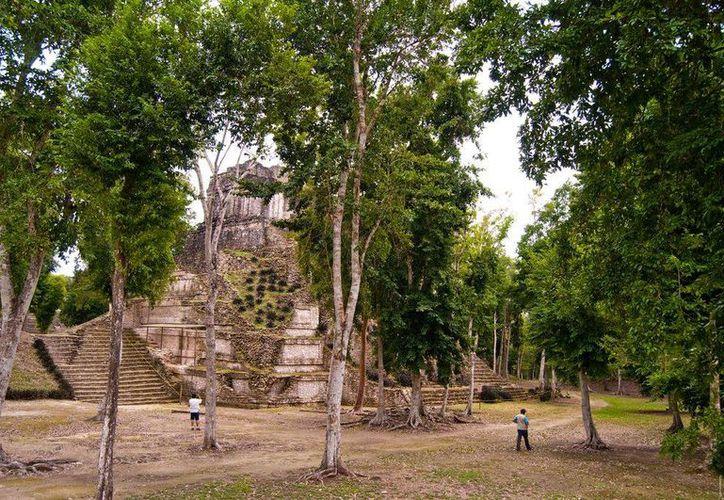 En la entidad existen aproximadamente dos mil 500 zonas arqueológicas, como Dzibanché, Kinichná, pero sólo 13 abiertas al público. (Joel Zamora/SIPSE)