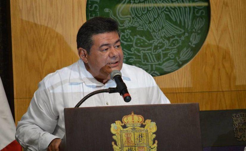 Fernando Ortega Bernés inició su mandato en 2009 con cero deuda, pero en 2014 alcanzó mil 729 millones de pesos, por lo que entregará con obligaciones financieras que no  tenía la entidad. (Archivo/Notimex)