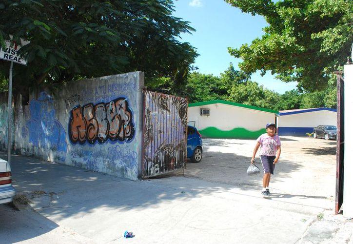 La primaria Miguel Hidalgo y Costilla está ubicada en la Supermanzana 83 del municipio de Benito Juárez. (Tomás Álvarez/SIPSE)
