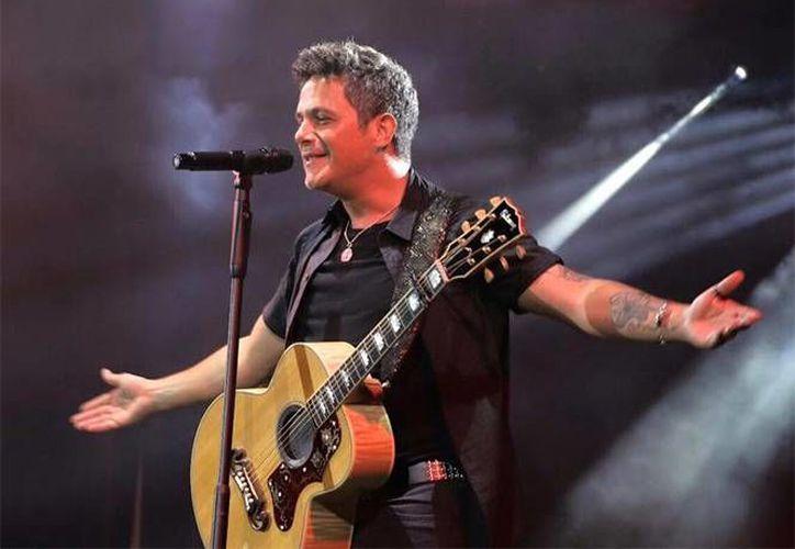 El cantante español se encuentra promocionando su álbum 'Sirope', el cual ha tenido gran éxito en México. (Notimex)