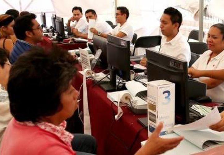 Ciudadanos aprovechas el descuento del pago del impuesto predial. (Redacción/SIPSE)