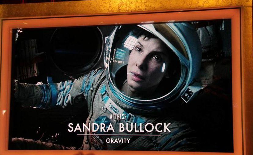 Sandra Bullock reconoció que quiso alejarse un tiempo de los sets de filmación para dedicarse a ser mamá, pero le ganaron más las ganas trabajar con Cuarón. (Archivo Notimex)