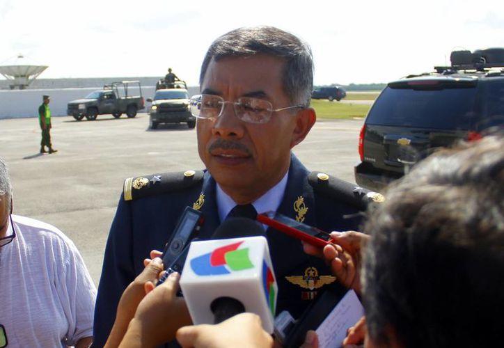 Comandante de la Base Aérea Militar No.8, Samuel Domínguez López. (SIPSE)