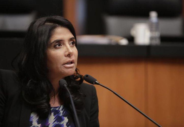 Alejandra Barrales informó que renunció a la Secretaría de Educación de la Ciudad de México y ahora tratará de ser presidenta del PRD. (prd.senado.gob.mx)