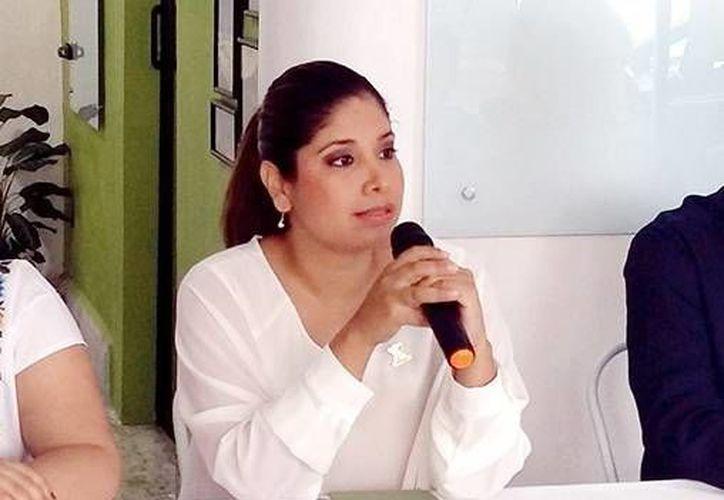 El premio consistirá en 250 mil pesos para el ganador. En la foto,Nayeli Hernández Crespo, ex participante y ahora directora general de la sede Cleantech Mérida.(Milenio Novedades)