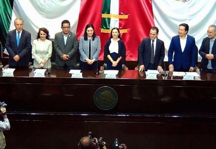 El Secretario de Hacienda, Arturo Herrrera, entregó a la Cámara de Diputados el Proyecto de Paquete Económico 2020. (Agencia Reforma)