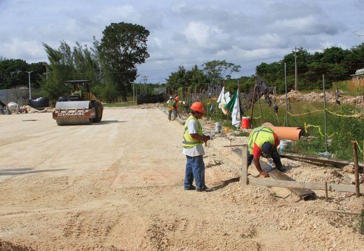 Ejidatarios bloquearán acceso a los trabajos en el aéropuerto de Chetumal para presionar a la SCT. (Ángel Castilla/SIPSE)