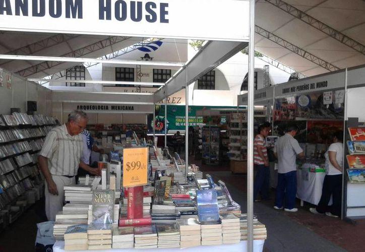 La Feria Internacional del Libro da servicio de 11 a 22 horas hasta el 22 de noviembre. (Teresa Pérez/SIPSE)