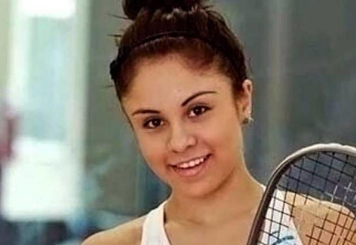 Paola Longoria logró reponerse de una desventaja ante su rival. (Foto: Twitter)