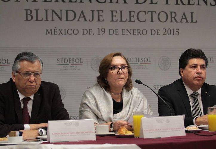 La abogada general de Sedesol, María Angélica Villalpando, indicó que se entregó un protocolo de actuación durante las elecciones a todos sus funcionarios. (Notimex)