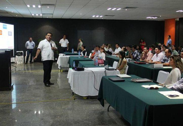 El secretario general de Gobierno, Víctor Caballero Durán, impartió una conferencia. (Cortesía)