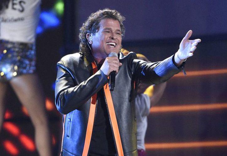 Carlos Vives durante su actuación en la ceremonia de entrega de los Grammy Latino, a la cual no pudo asistir la colombiana Shakira. (Chris Pizzello/Invision/AP)