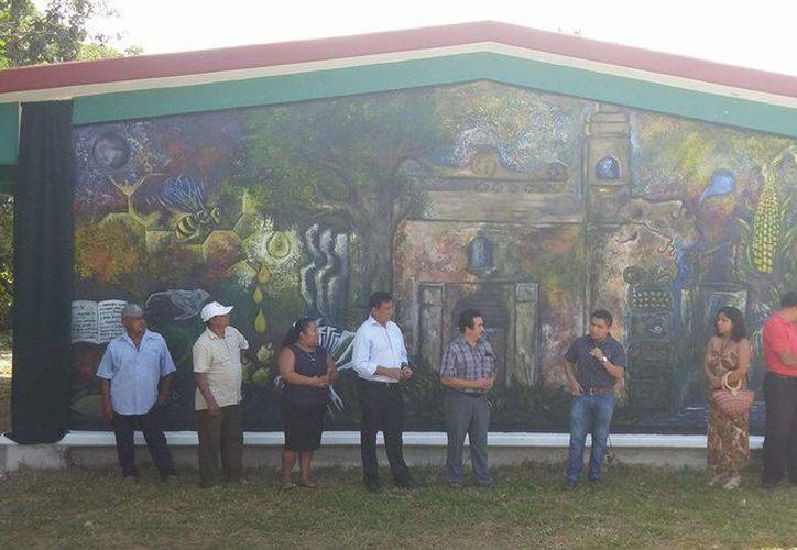 """El mural denominado """"Pueblo en lucha""""  es de acrílico y mide cuatro por seis metros. (Tony Blanco/ SIPSE)"""