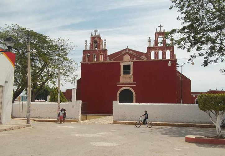 Iglesia y exconvento de San Pedro y San Pablo, en Teabo. (Jorge Moreno/SIPSE)