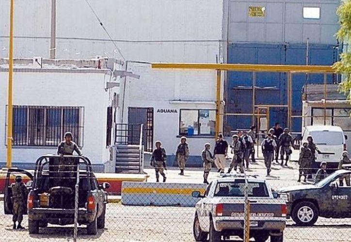 El centro penitenciario se encuentra justo del otro lado del Río Bravo del poblado de Eagle Pass. (Archivo/SIPSE)