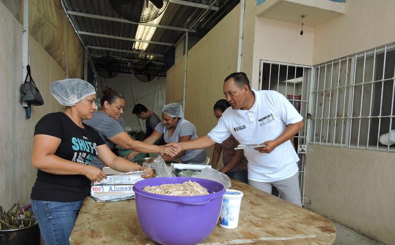 El candidato Mauricio Delfín del Distrito 2 estableció que estará dispuesto a colaborar junto con los habitantes. (Redacción/SIPSE)