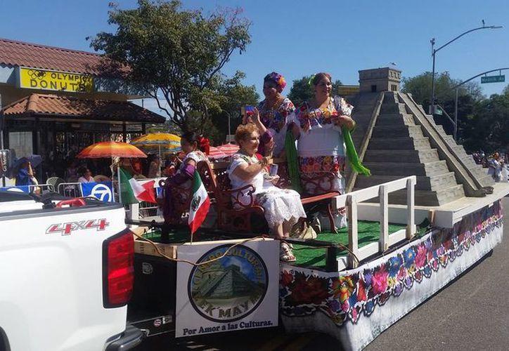 Yucatán estuvo presente en la conmemoración de la Independencia mexicana en Los Ángeles. (Notimex)