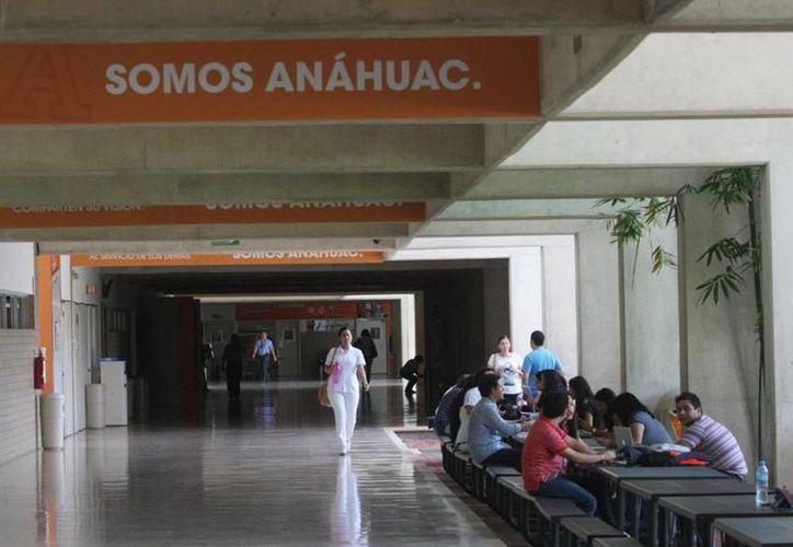 La Universidad Anáhuac Mayab presenta el 'Día de Comunicación' con un ciclo de conferencias en sus instalaciones. (Milenio Novedades)