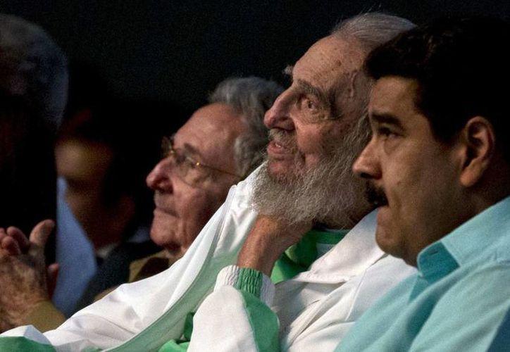 El presidente Nicolás Maduro viajó a La Habana para asistir a las celebraciones por el 90 aniversario del líder revolucionario Fidel Castro Ruiz. (AP/Ismael Francisco)