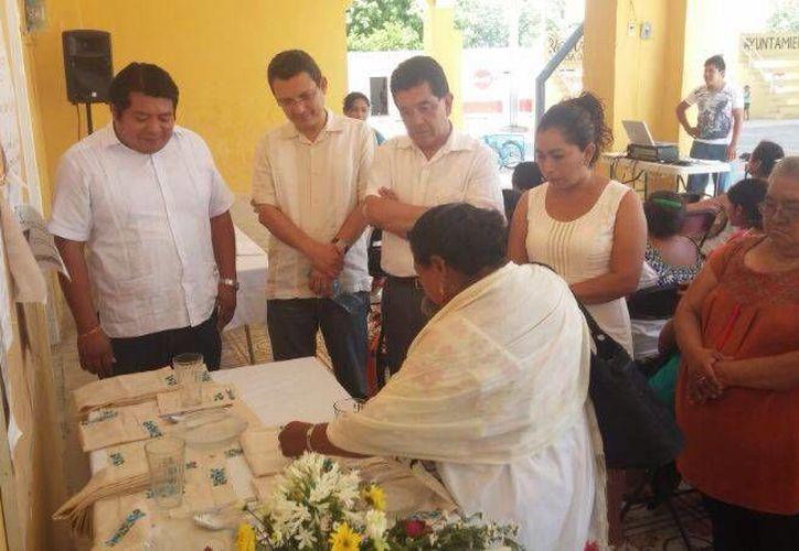 El representante del Conaculta visitó los municipios de Timucuy, Espita y Yaxcabá. (Cortesía)