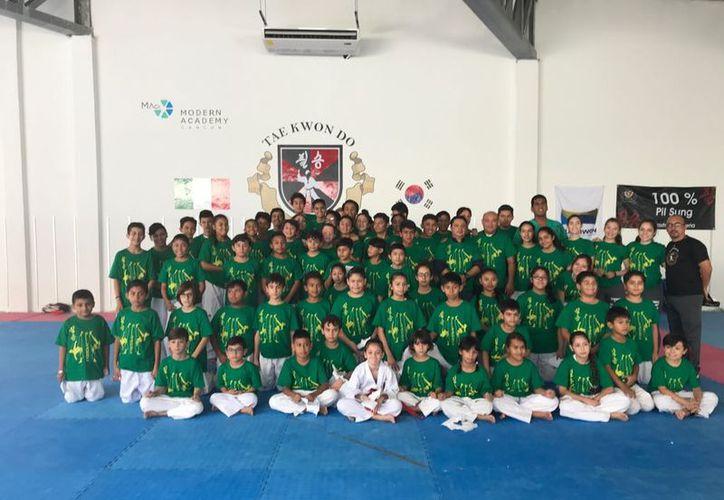 Un total de 100 atletas formaron parte de este campamento. (Raúl Caballero/SIPSE)