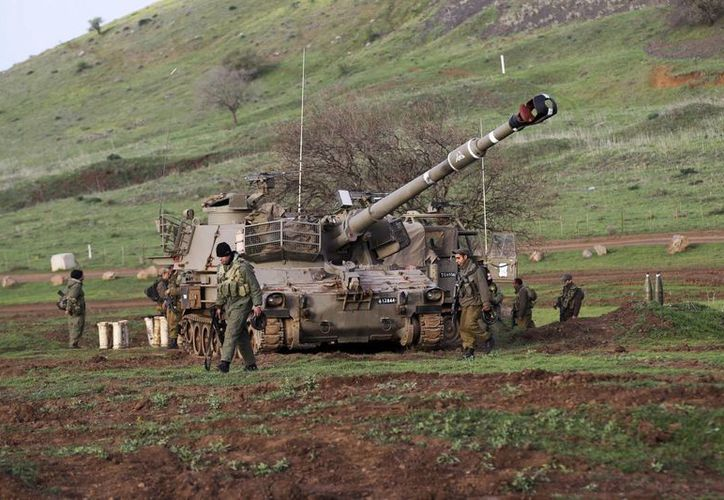 Soldados israelíes desplegados en los Altos del Golán cerca de la frontera con Siria. (EFE/Contexto)