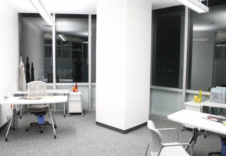 Las instalaciones brindan un ambiente laboral productivo. (Jesús Tijerina/SIPSE)