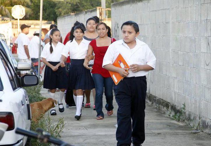 En el caso de las escuelas primarias, se reincorporarán 227 mil 766 alumnos y nueve mil 297 maestros, en mil 395 instituciones. (SIPSE)