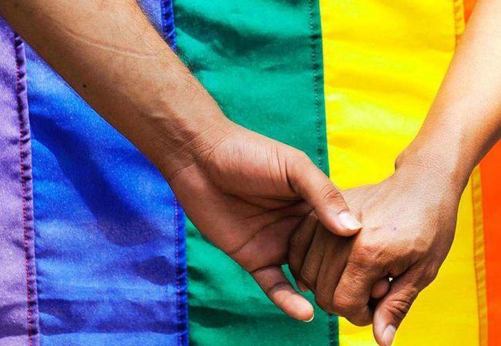 La Iglesia Católica enseña que las relaciones homosexuales 'no pueden recibir aprobación', pero también enseña que los gays 'deben ser acogidos con respeto, compasión y delicadeza. Se evitará todo signo de discriminación'. (Archivo/Agencias)