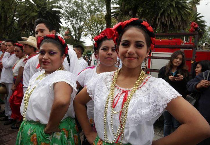 Las mujeres son el sector con mayor participación en la industria turística, indicó la Secretaría de Turismo. (Notimex)