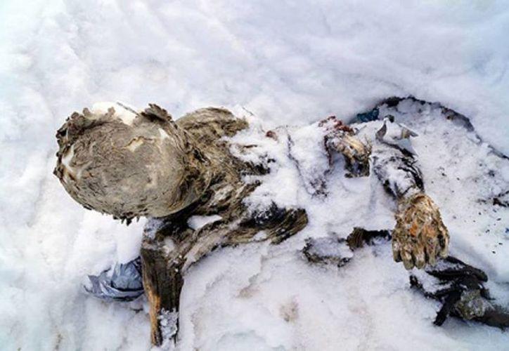 Las labores para recuperar los restos de los alpinistas se suspendieron hasta que las condiciones meteorológicas lo permitan. (Archivo/EFE)