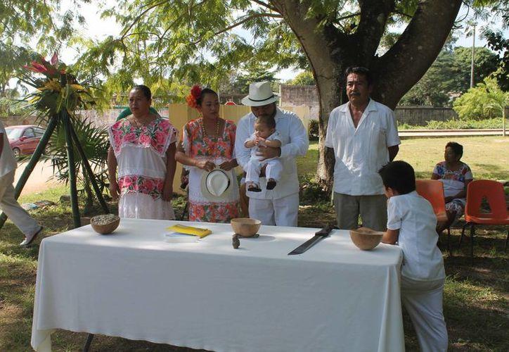 El  jéets'méek es una tradición maya que aún sigue vigente en Quintana Roo. (Raúl Balam/SIPSE)