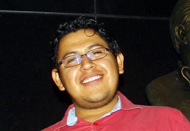 Raúl Izquierdo Rodríguez recibió la primera certificación en el Estado, para su agencia de publicidad. (Milenio Novedades)