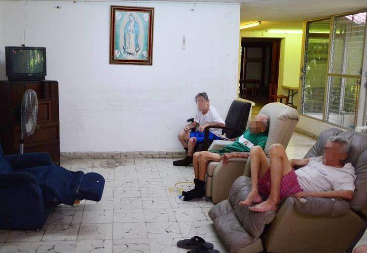 Expertos indican que en Yucatán el trabajo altruista va dirigido a cuatro grupos principalmente: niños, ancianos, discapacitados y animales. Imagen de contexto de un asilo de ancianos en Mérida. (Archivo/SIPSE)
