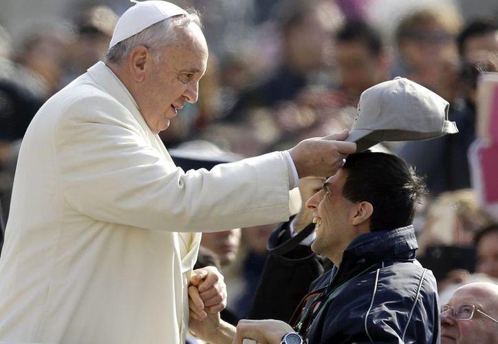 El Papa pidió por que las elecciones próximas en Argentina sean claras y honestas. (AP)