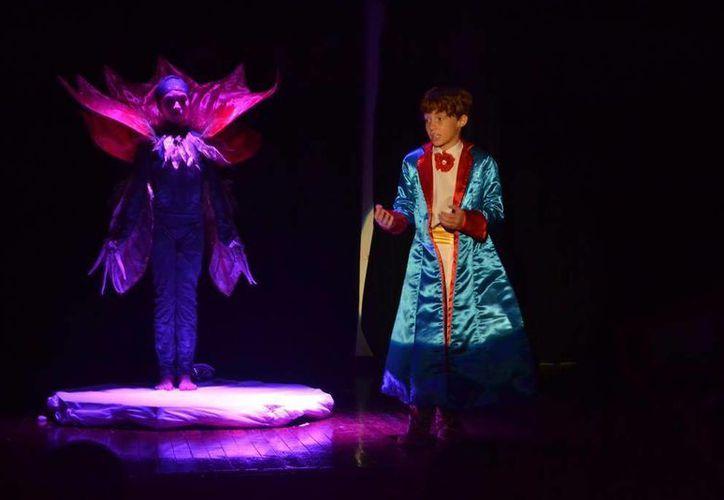 La puesta en escena de 'El Principito' se estrenó este fin de semana en el Museo de la Isla, en Cozumel. (Irving Canul/SIPSE)