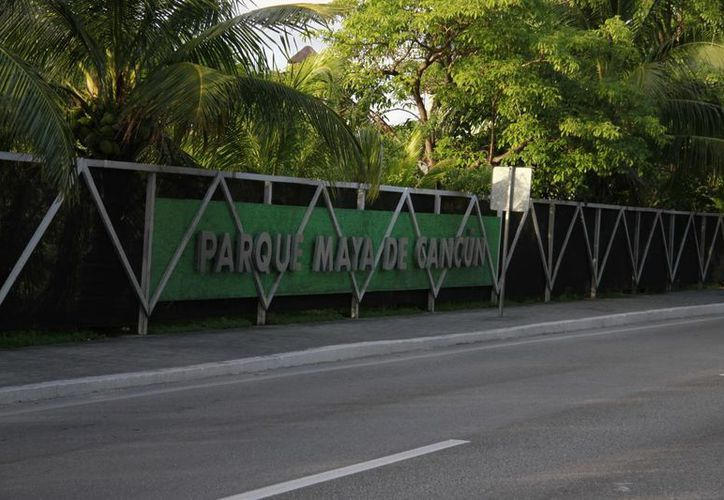 El terreno se ubica a la altura del kilómetro 16, del bulevar Kukulcán. (Luis Soto/SIPSE)