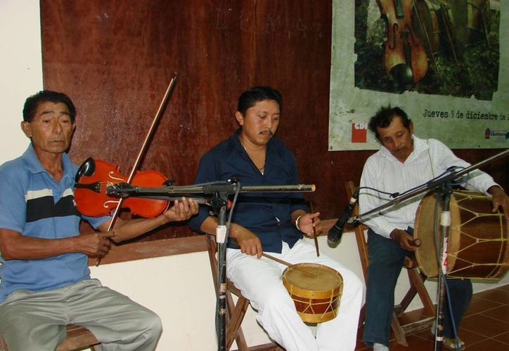 De los 28 grupos que existían en 2009, ya sólo el 40% continua con la tradición musical maya. (Manuel Salazar/SIPSE)