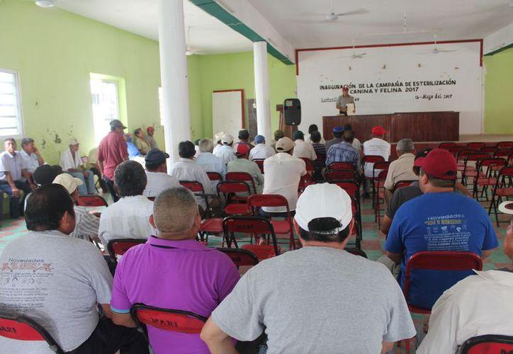 En la asamblea únicamente acudieron 326 campesinos, de un total de mil 116. (Gloria Poot/SIPSE)